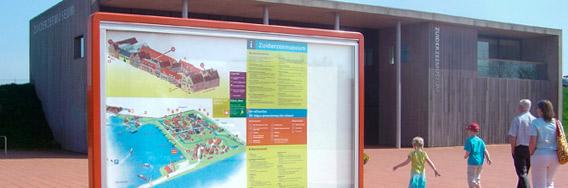 kramer_belettering_vitrine_zuiderzeemuseum_plein