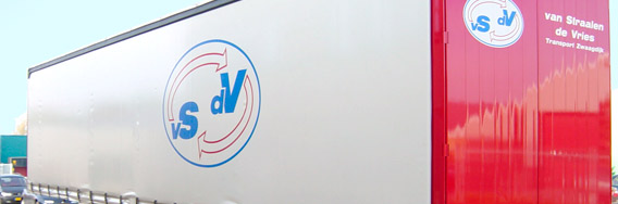kramer_belettering_vrachtwagens_van_straalen_de_vries_trailer_rotator