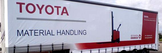 kramer_belettering_vrachtwagens_toyota_material_handling_trailer_rotator